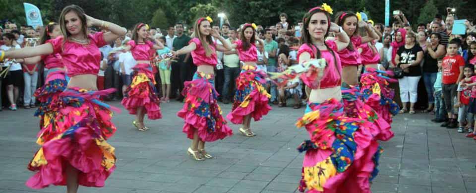 Roman Halk Dansları Gösterisi
